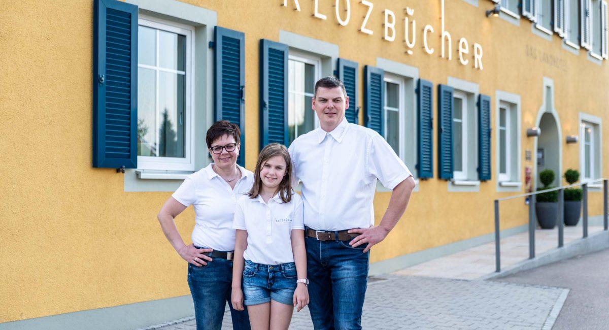 Klozbuecher_familie_haus
