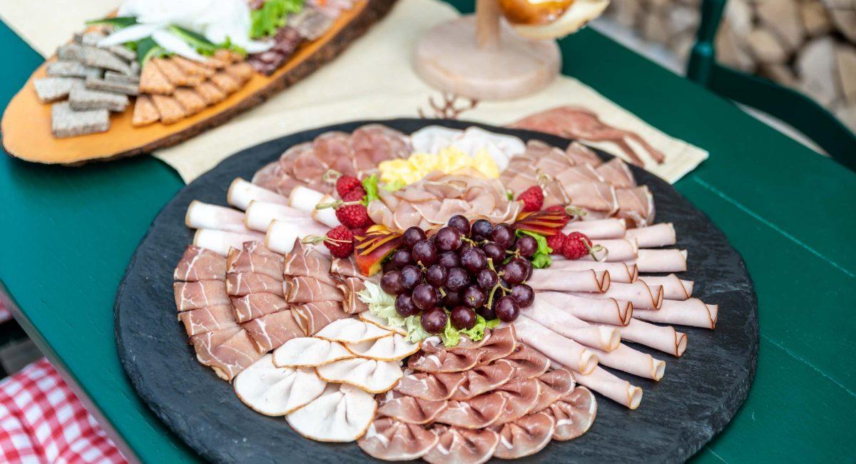 Landhotel Klozbücher Ellwangen-Eggenrot Catering Platten